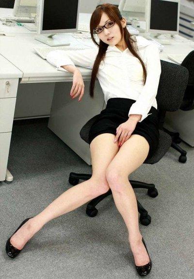 OLが穿くタイトスカートとパンストのエロ共演に胸熱 | 素人エロ画像-女神ちゃんねる 表紙