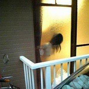 窓から丸見えカーテン開けっぱでSEXしてる近所のカップルSEX盗撮