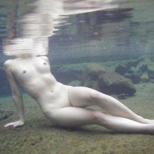女湯の湯船の中はこんなに素晴らしい光景が広がっているらしい