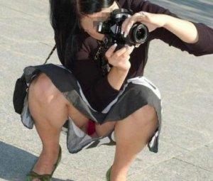 【パンチラエロ画像】自分から見せる事も多数w迂闊すぎミニスカさんのパンチラ現場www