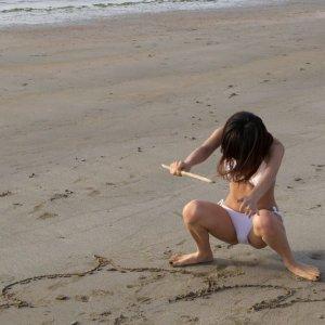 夏休みになったことだし天気がいい日は海水浴場に行って水着ギャルでヌクしかないっしょwww