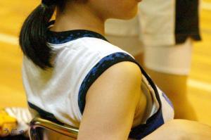 部活に奮闘する女子校生に僕のチンコが奮起するんゴ‼のサムネイル画像