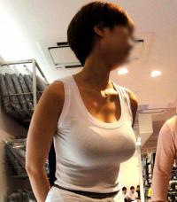 街で思わず3度見する着衣巨乳ちゃんたちを季節ごとに見たらエロすぎた件wwwのサムネイル画像