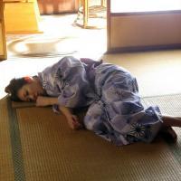 湯悦に濡れた柔肌 肉欲に溺れる若妻の寝取られ温泉旅情のサムネイル画像
