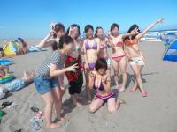 夏休みで水着でハメ外し過ぎて色々とポロリしちゃった…のサムネイル画像