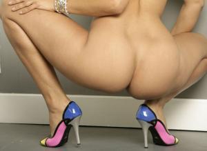 【ハイヒール エロ】美脚が際立つハイヒールのエロ画像のサムネイル画像