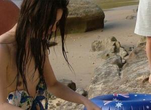 水着乳首エロ画像81枚!ポッチや透け水着ごしの乳首がエロい!のサムネイル画像