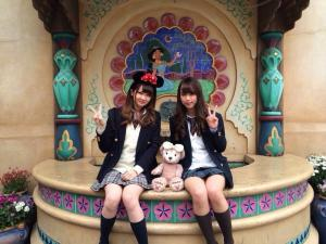 ディズニーで遊ぶJKの写真がエロシコ!のサムネイル画像