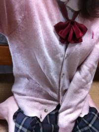 20歳女神「今度お友達と制服を着ることになったので、引っ張り出してきました (´・ω・`)」 制服&スク水姿でイヤらしい姿をうpのサムネイル画像
