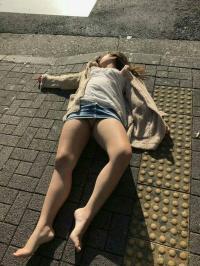 酔っぱらいエロ画像162枚!街中で酔いつぶれた素人がエロすぎwwwのサムネイル画像