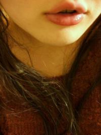 アヒル口フェチが喜びそうなプルプルの唇&口元を披露してくれた女神様による自画撮りのサムネイル画像