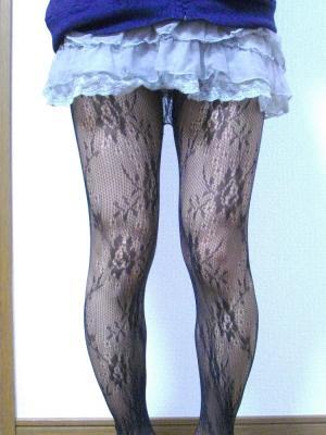 網タイツフェチ歓喜の四つん這い&M字のエロ自画撮り ( ^ω^)b グッジョブ!!のサムネイル画像