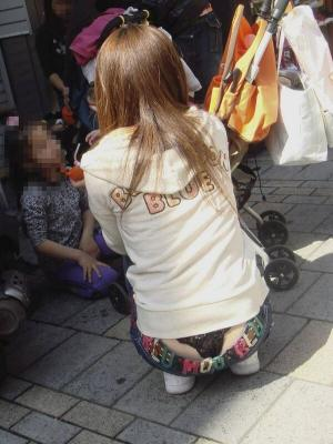 初詣パンチラエロ画像20連発!パンツ見せてくれる子はどんなイベントでもあざとくパンツ見せてるぞ!ページへ