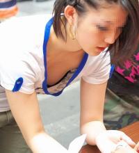 ショップやOLなどの働く女性のパンチラ・胸チラ画像のサムネイル画像