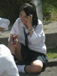 JKのナチュラルな姿が最高のエロ!やっぱり女子高生はイイな。のサムネイル画像