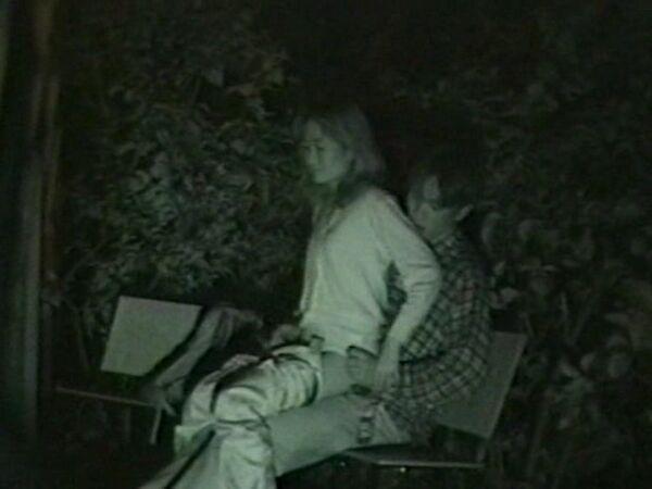 赤外線セックス盗撮エロ画像134枚!車や公園でヤリまくる素人カップルを隠し撮りwwwのサムネイル