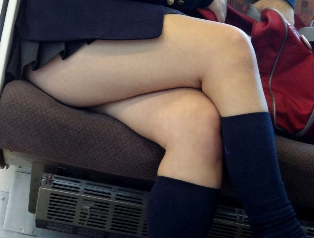 襲いたくなる女子校生の柔らか太もも画像 | 素人エロ画像-女神ちゃんねる 表紙